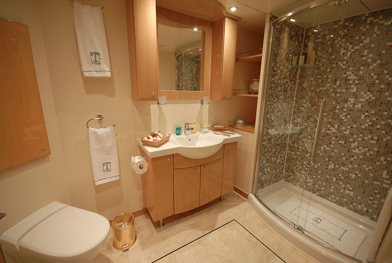 Shackleton Cabin - Bathroom
