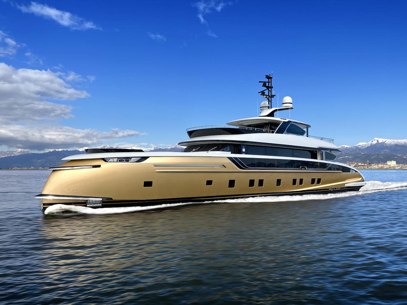 Stefania Yacht Cruising