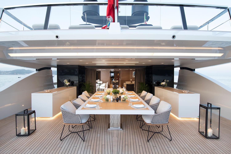 Superyacht SEVEN SINS - Upper Deck Aft Salon View