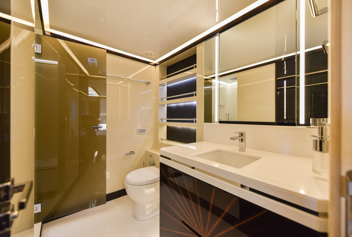 Twin Guests Cabin Ensuite