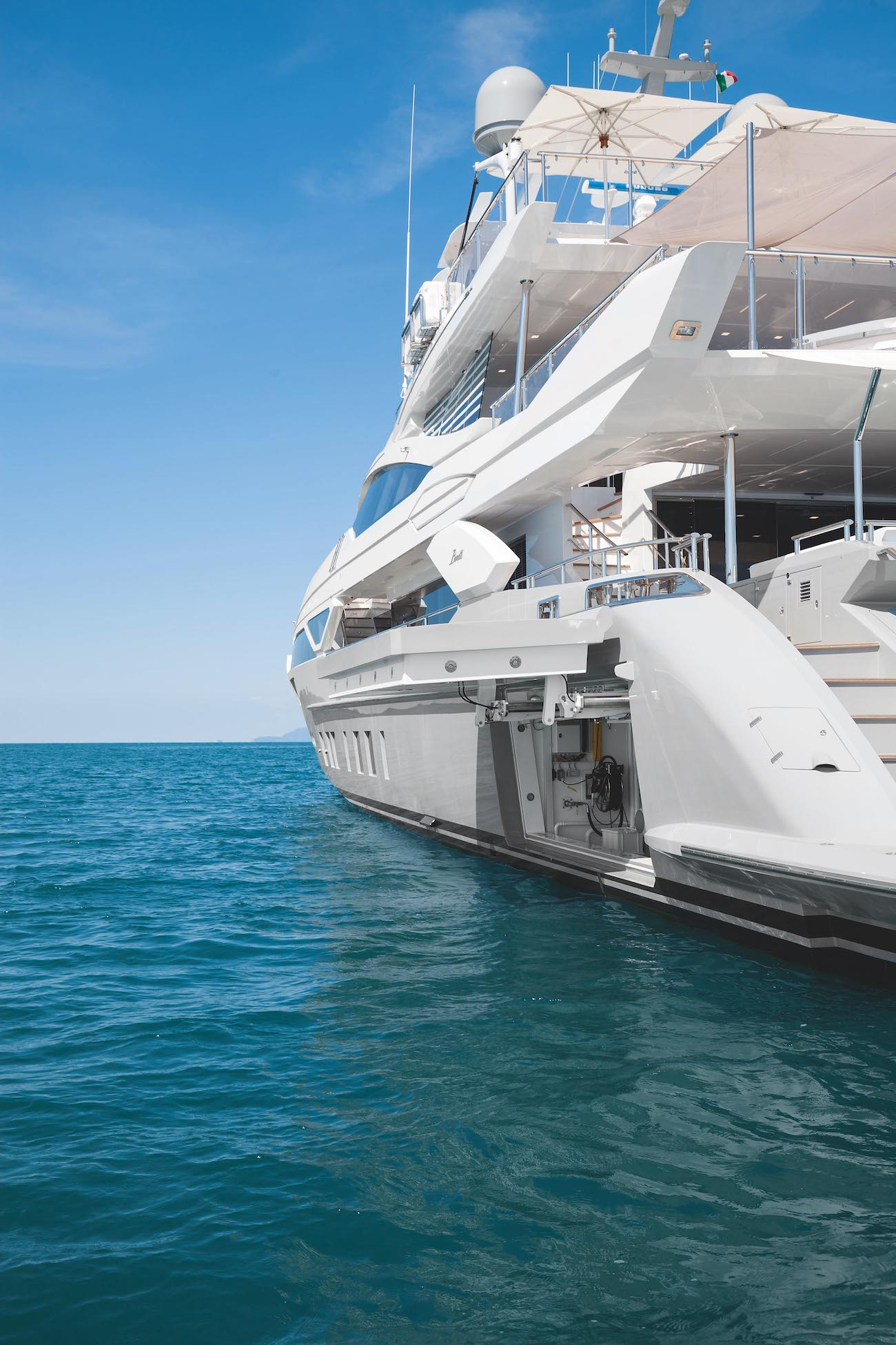 Veloce 140 By Benetti Detail
