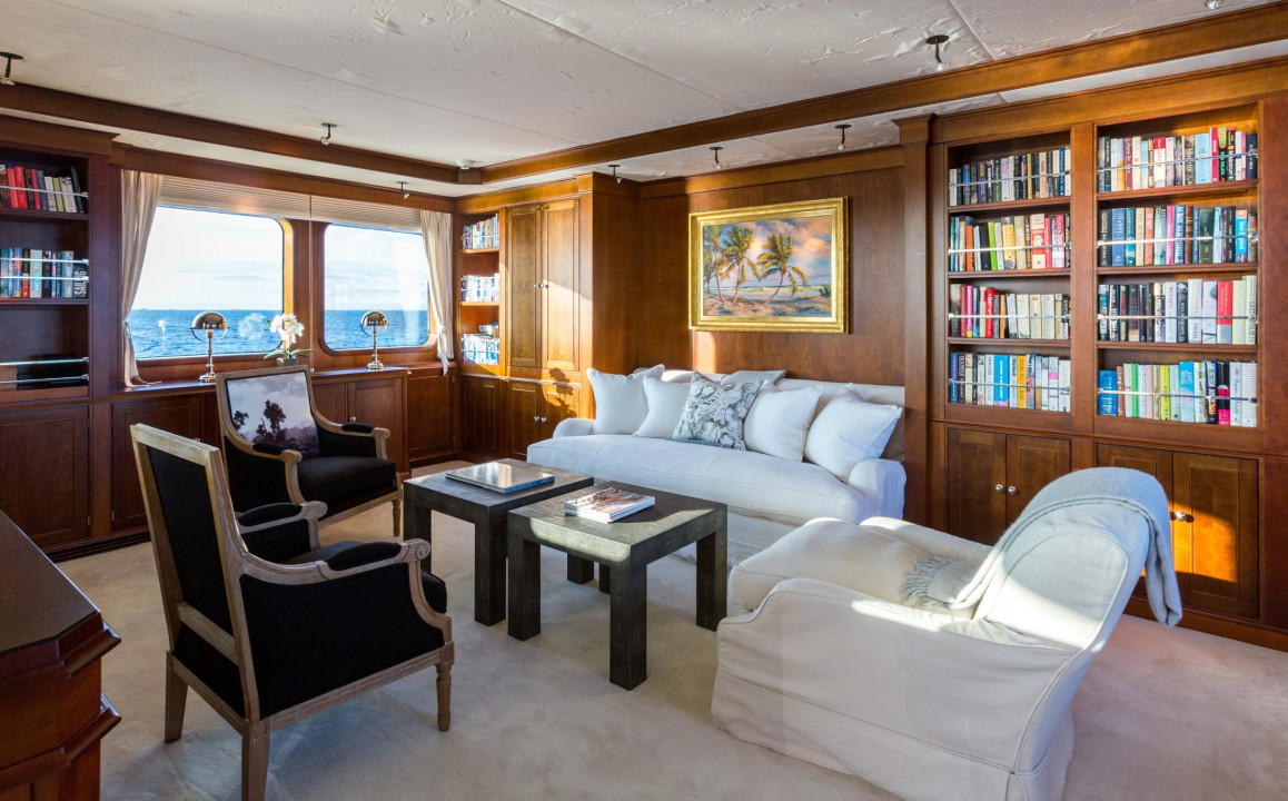 Owner's Deck - Master Suite Lounge & Library