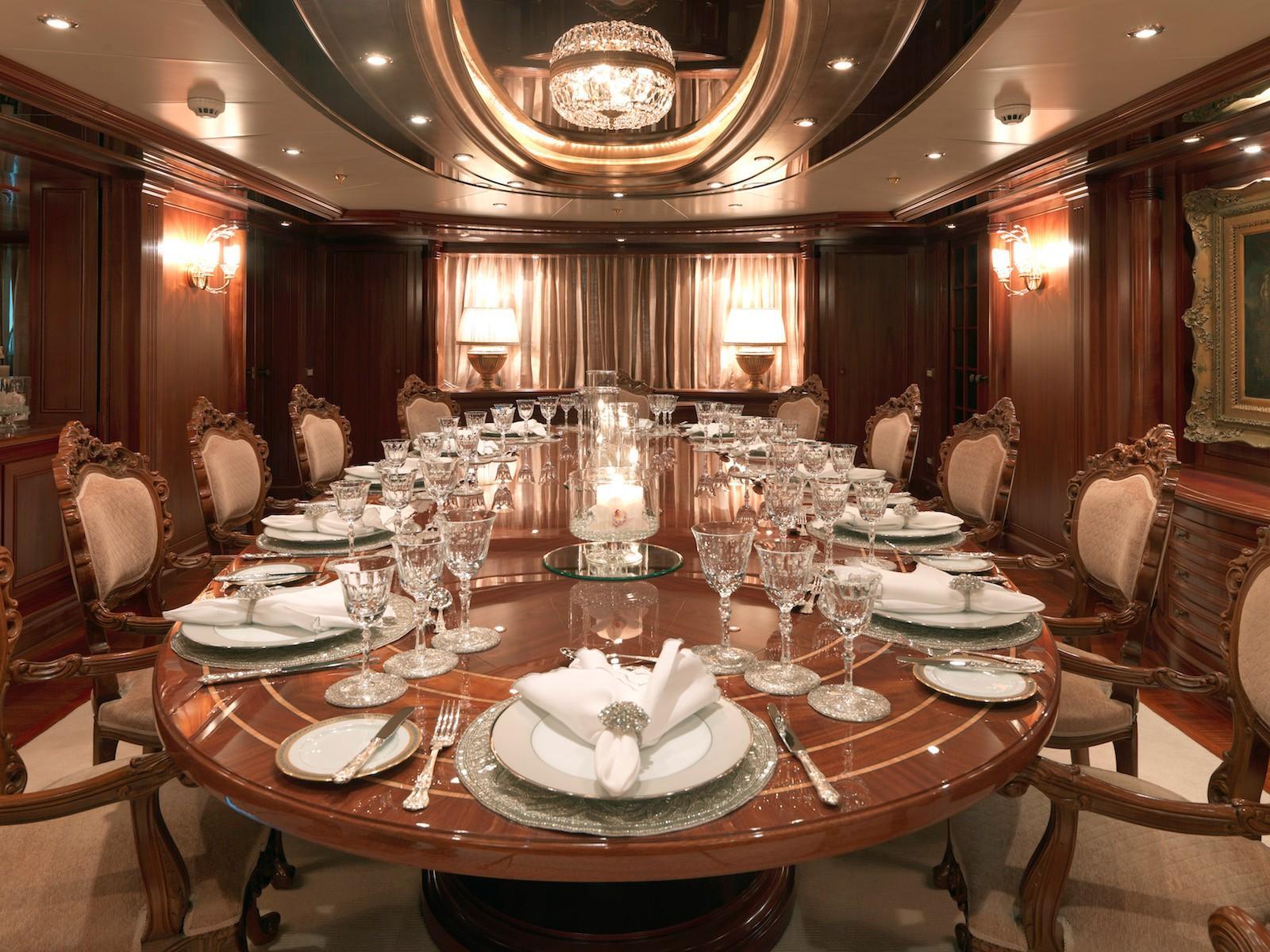Yacht APOGEE - Dining