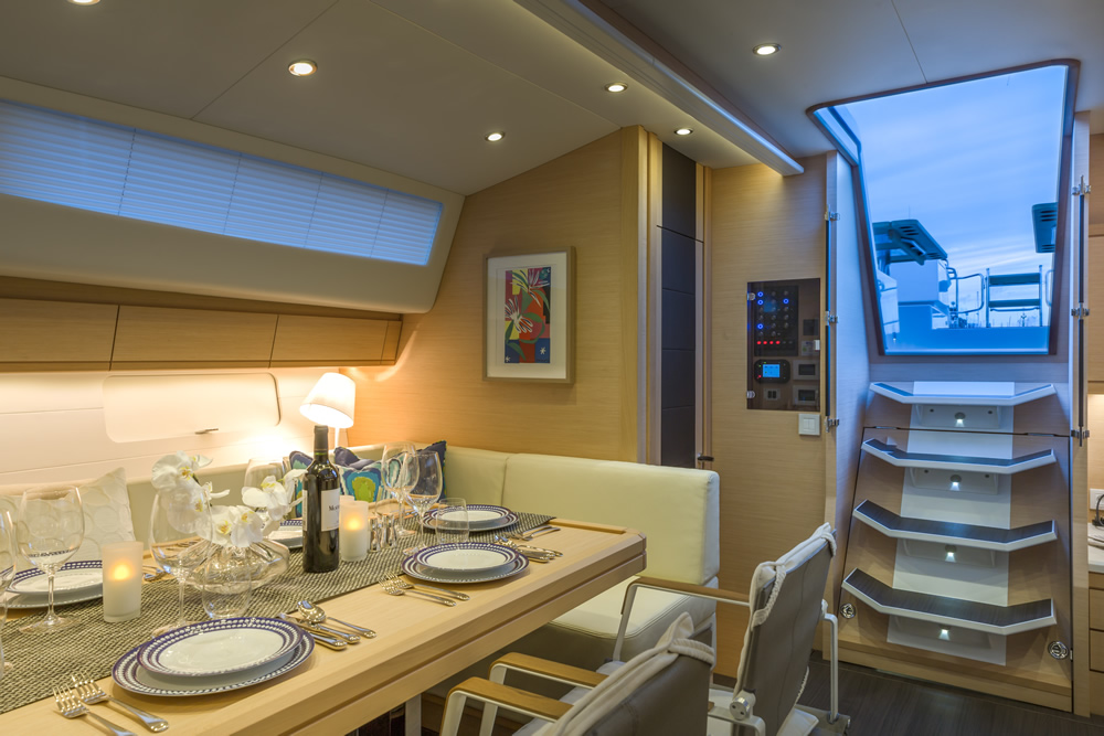 Yacht Amandine - Jeanneau 64 Salon