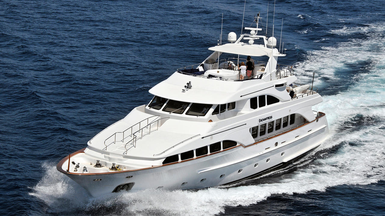 Yacht ENCHANTRESS A Benetti Classic Underway - Bow