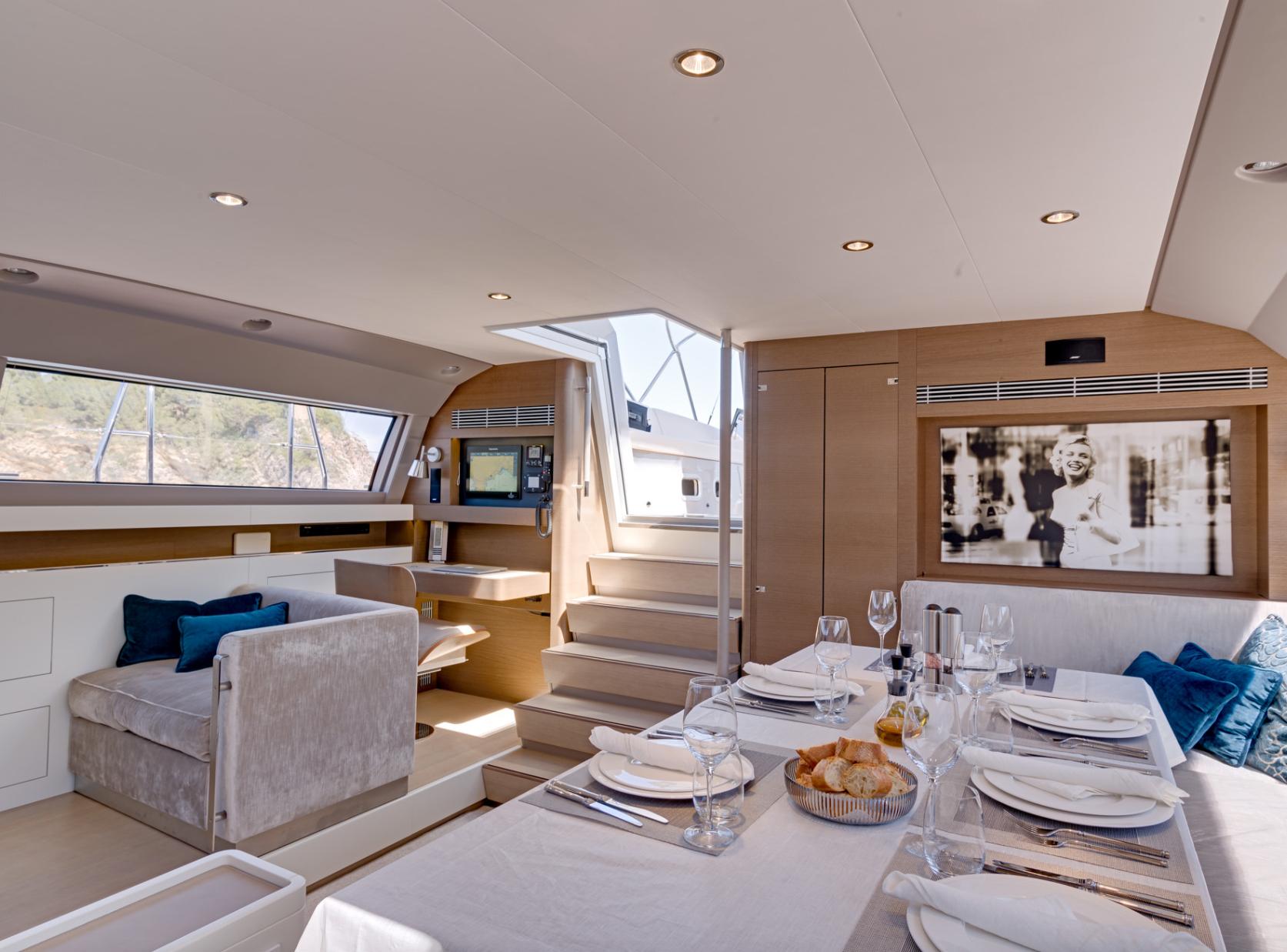 Yacht J Six - Salon