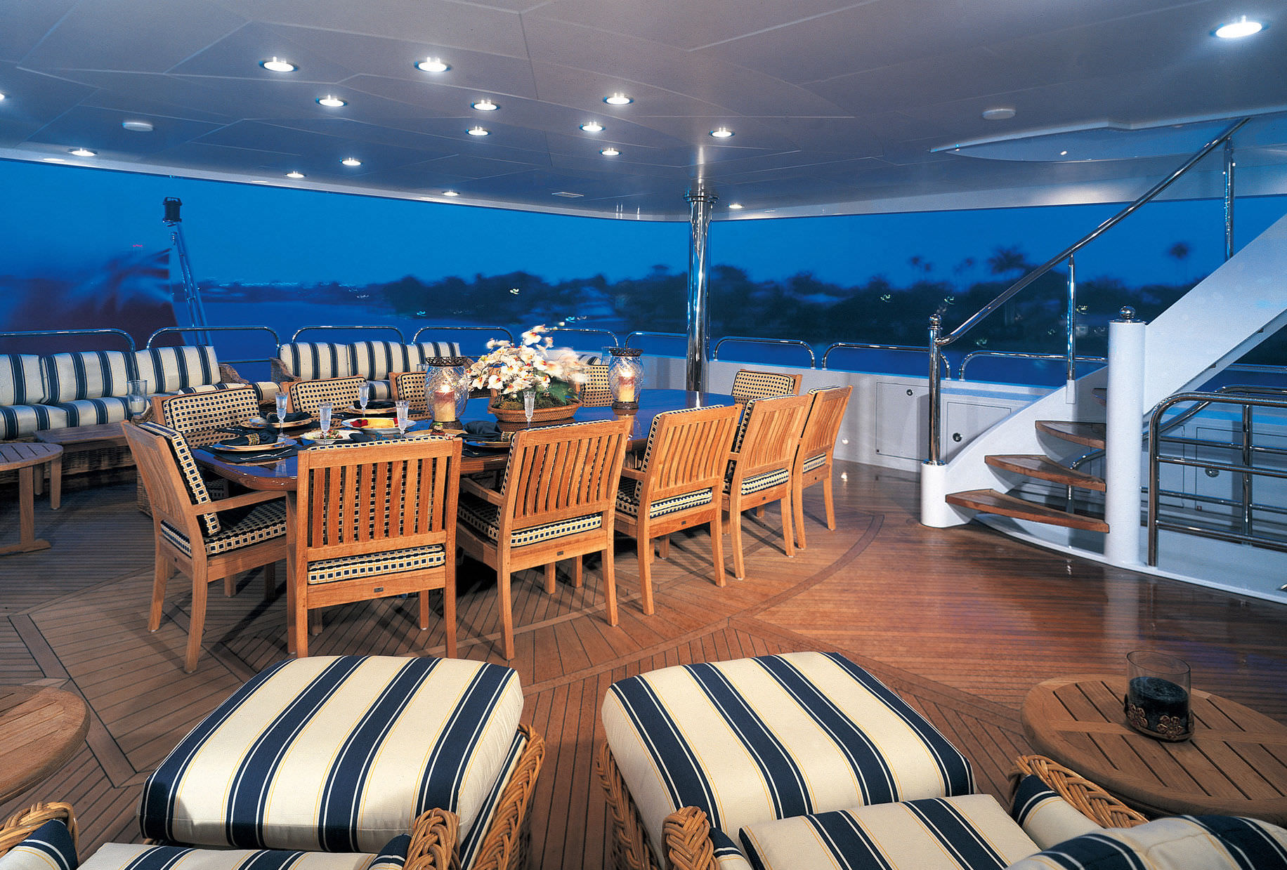 Yacht Mustique By Trinity - Aft Dining