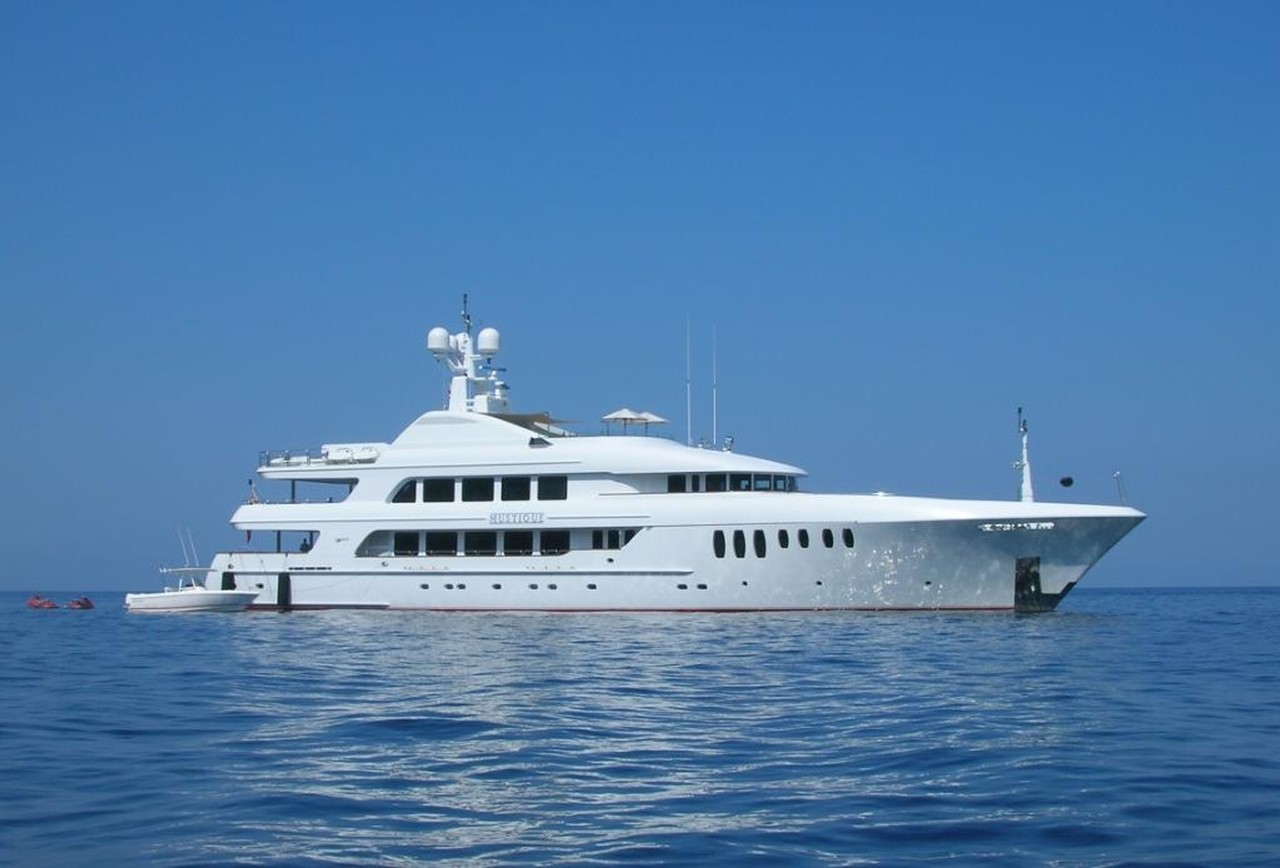 Yacht Mustique By Trinity - Profile
