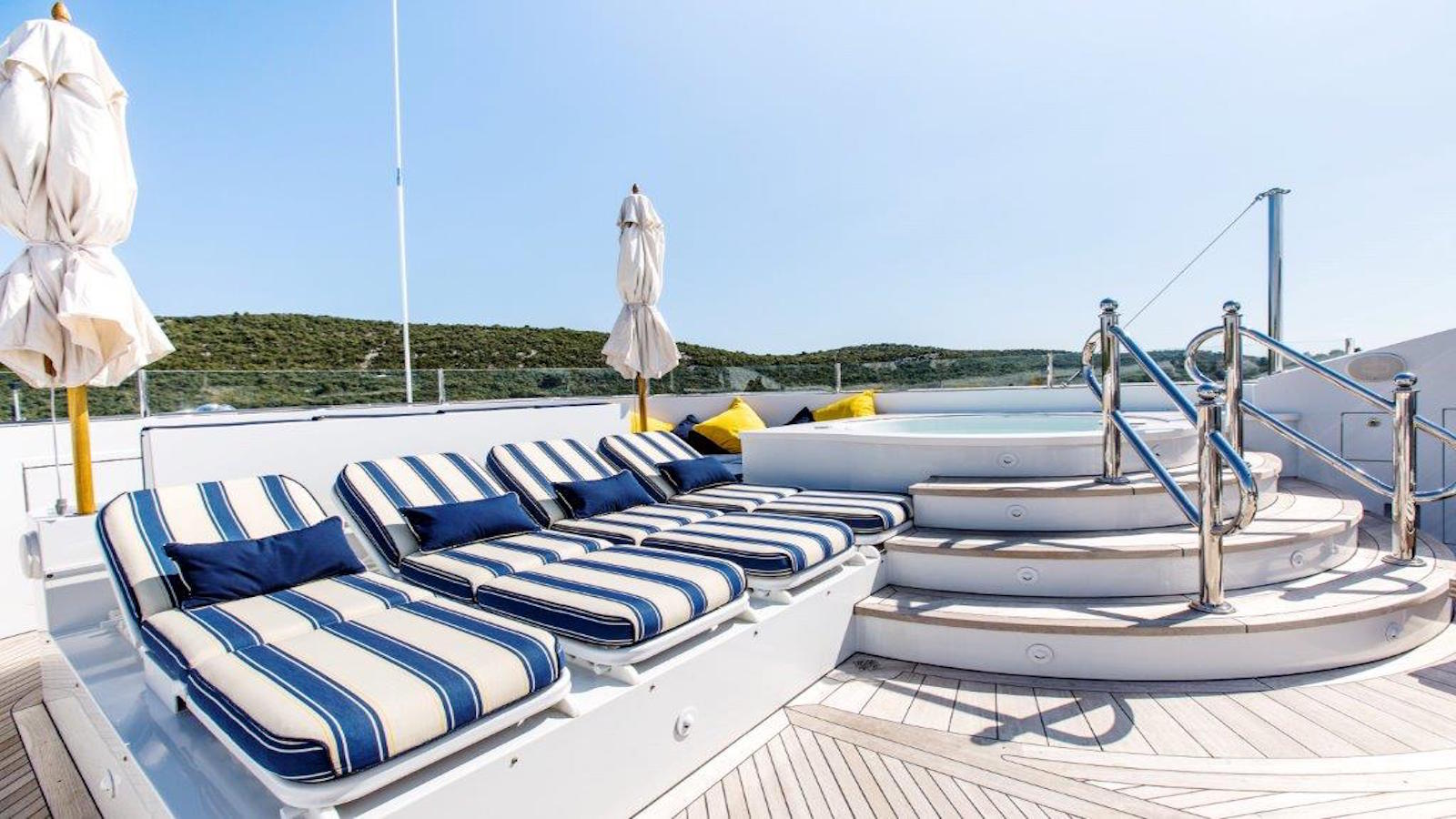 Yacht Mustique By Trinity - Sundeck With Jacuzzi
