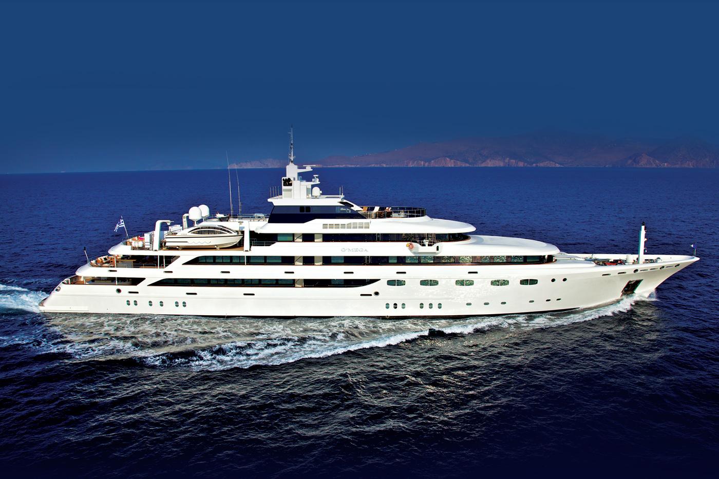 Yacht OMEGA - Profile