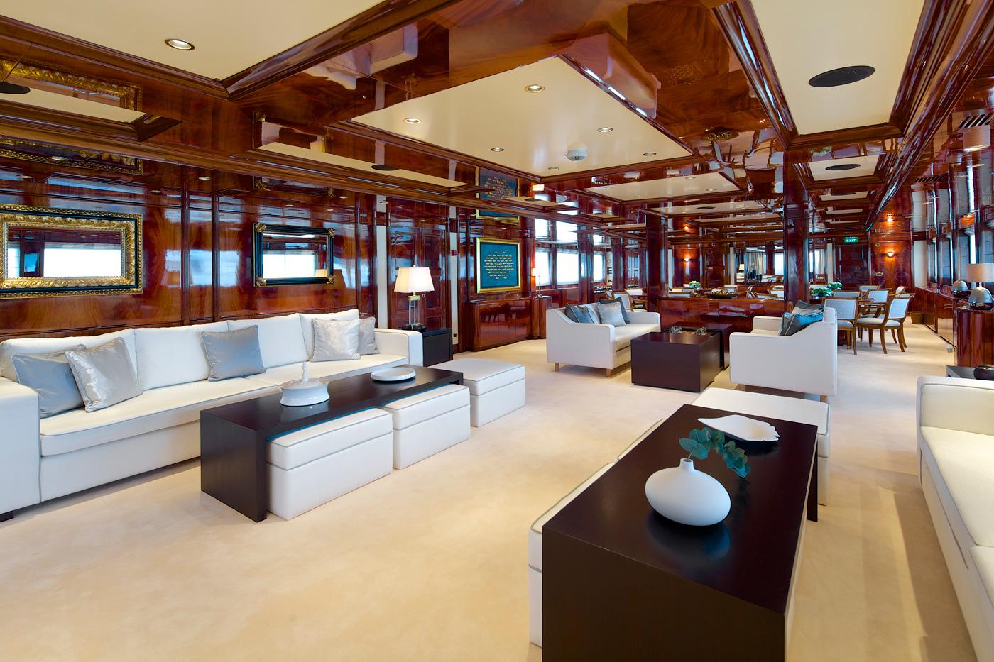 Yacht OMEGA - Saloon