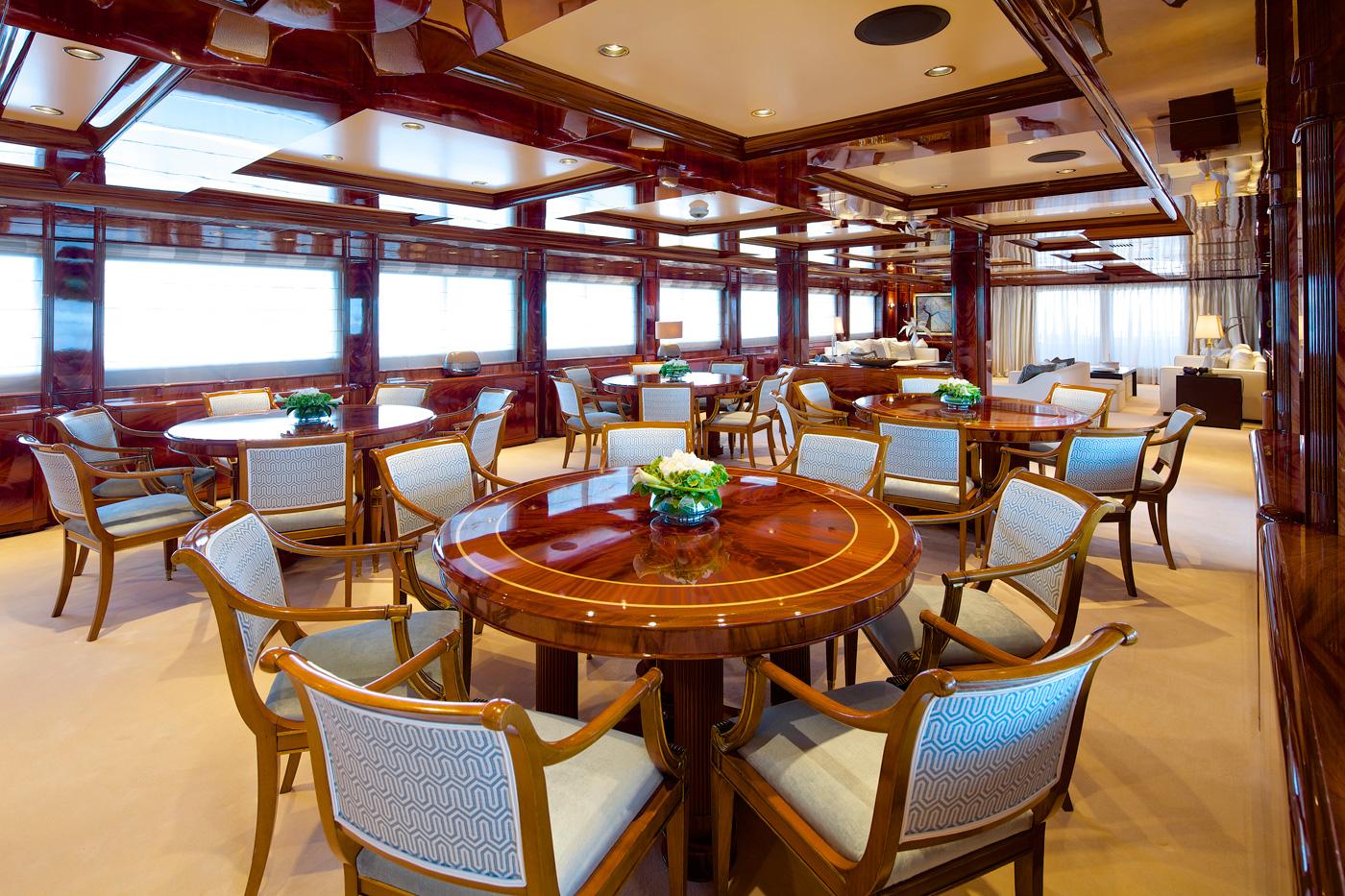 Yacht OMEGA - Dining