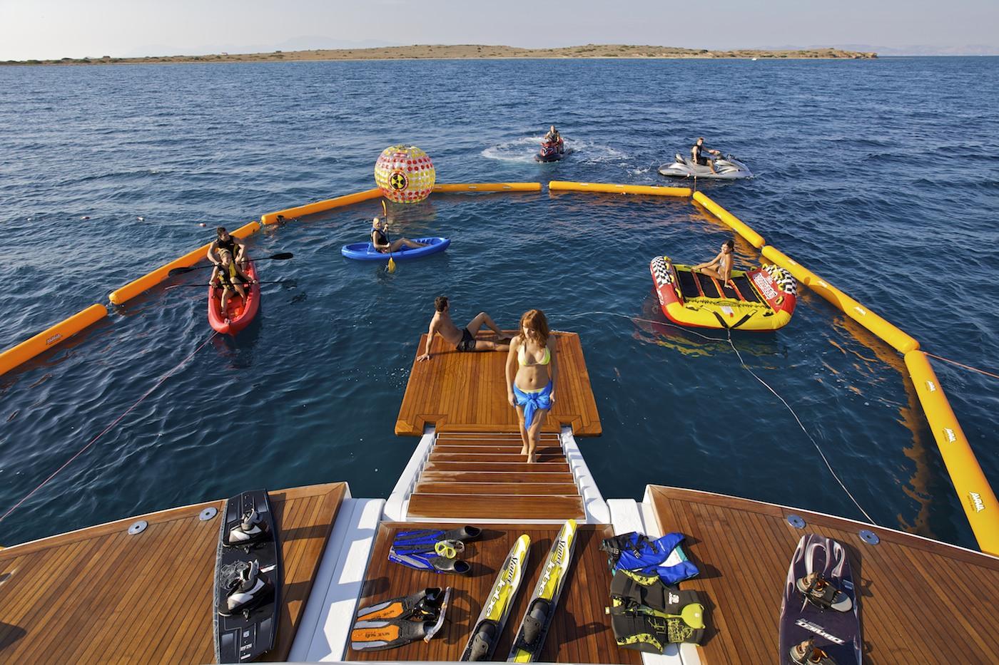 Yacht OMEGA - Water Fun