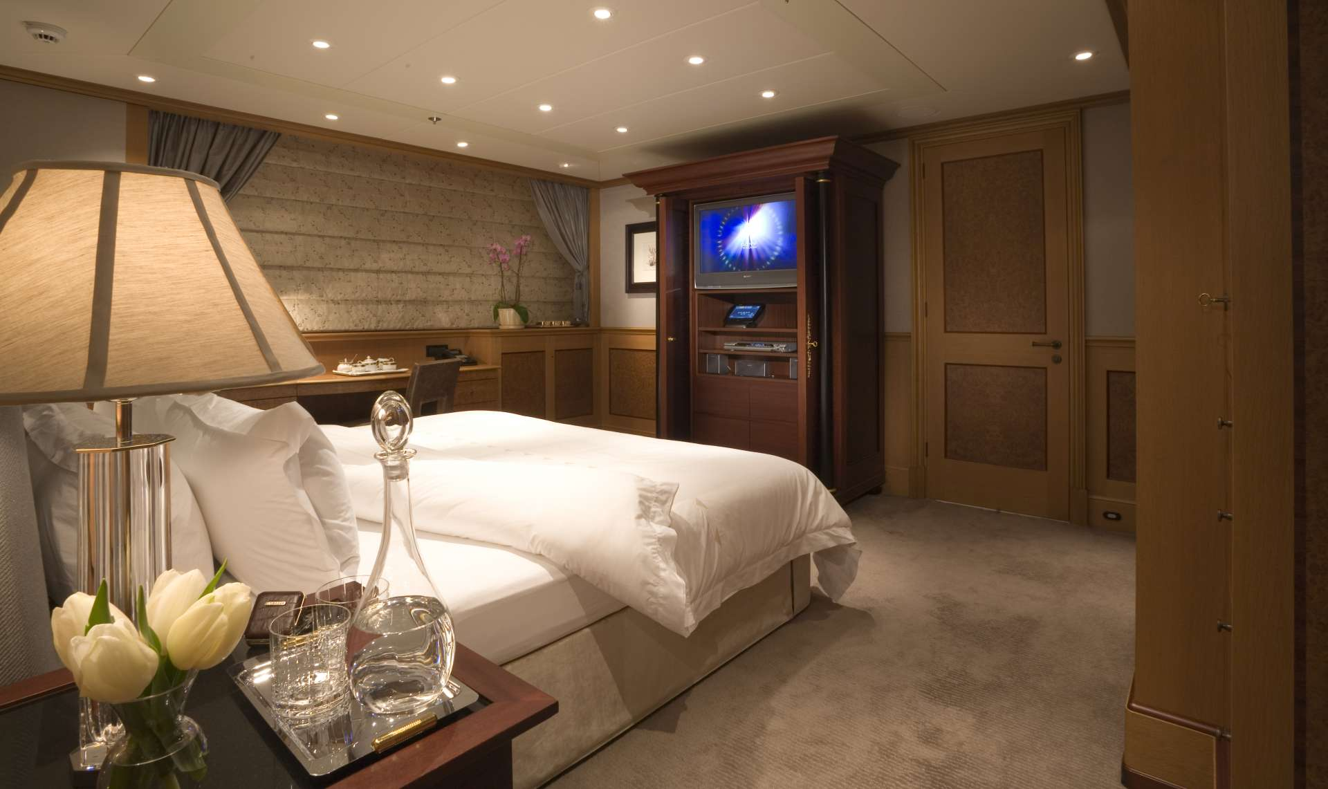 Yacht UTOPIA By Feadship - Double Cabin