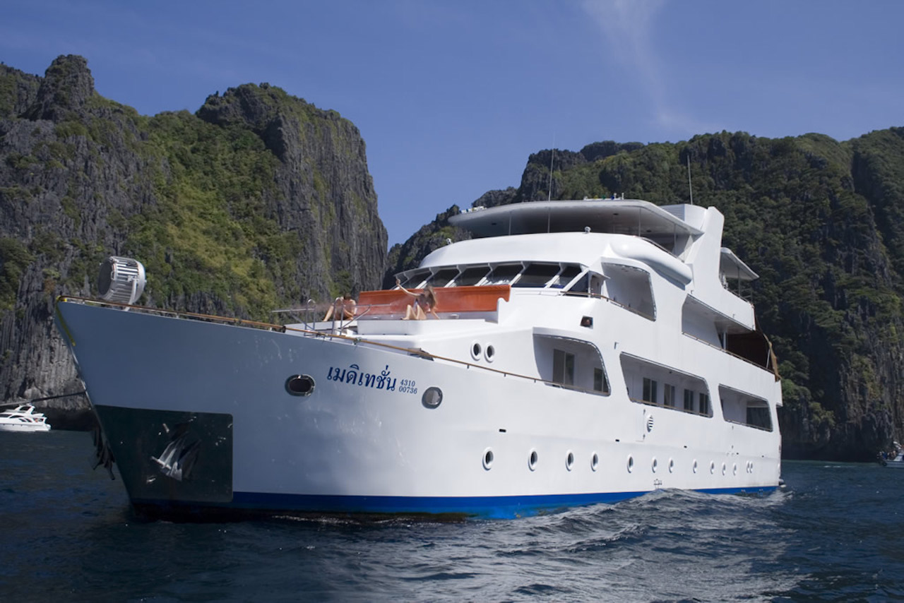 Yacht Charter Vacation in Asia