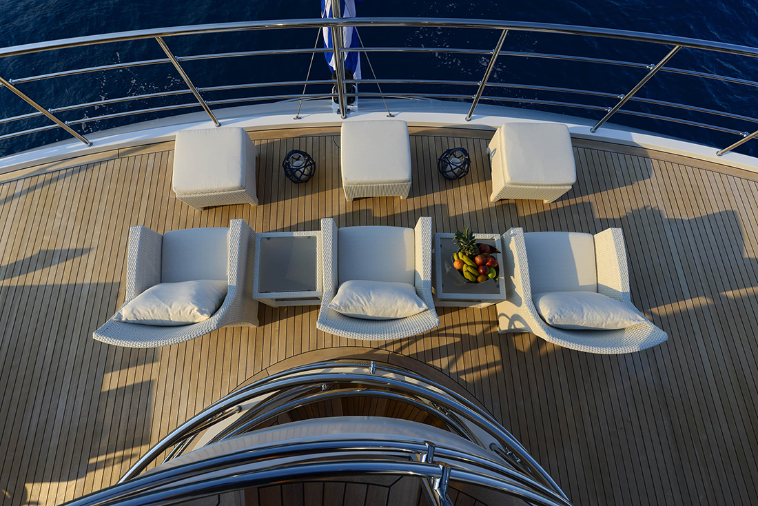 Aft Deck Seating To Relax