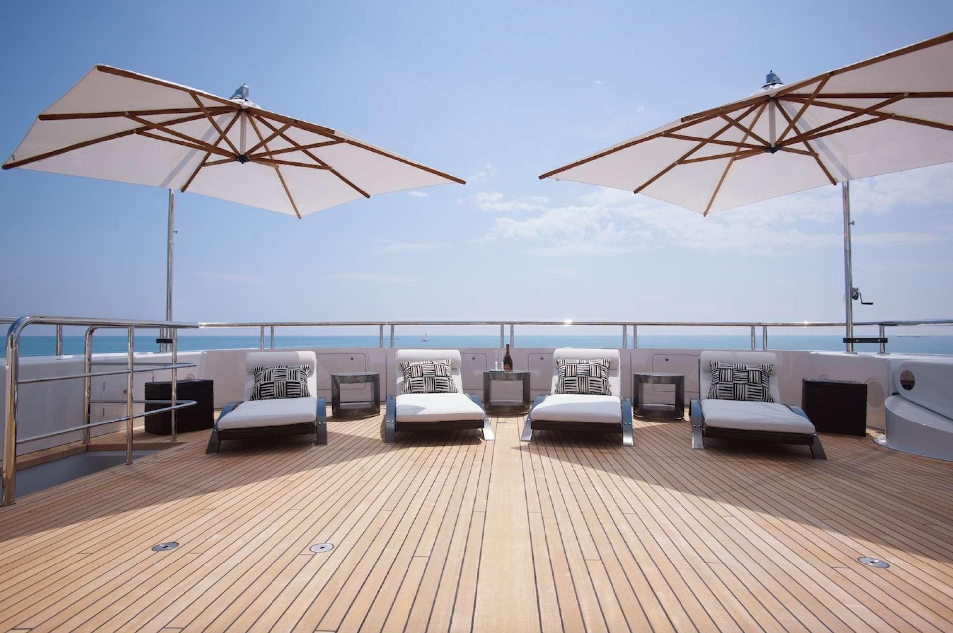 Aft Deck Sunbathing Area