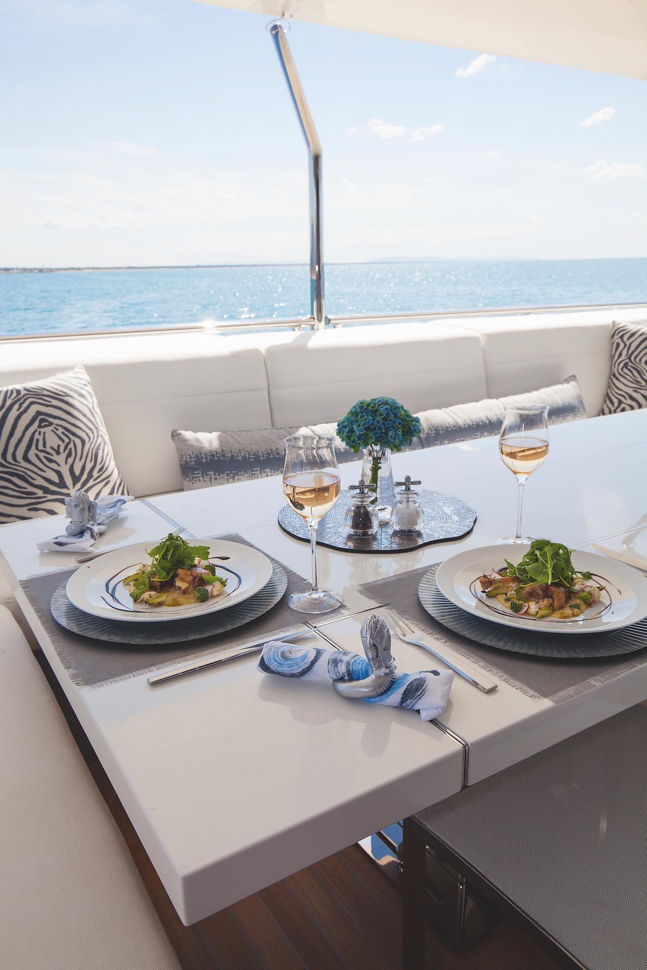 Aft Main Deck Alfresco Dining