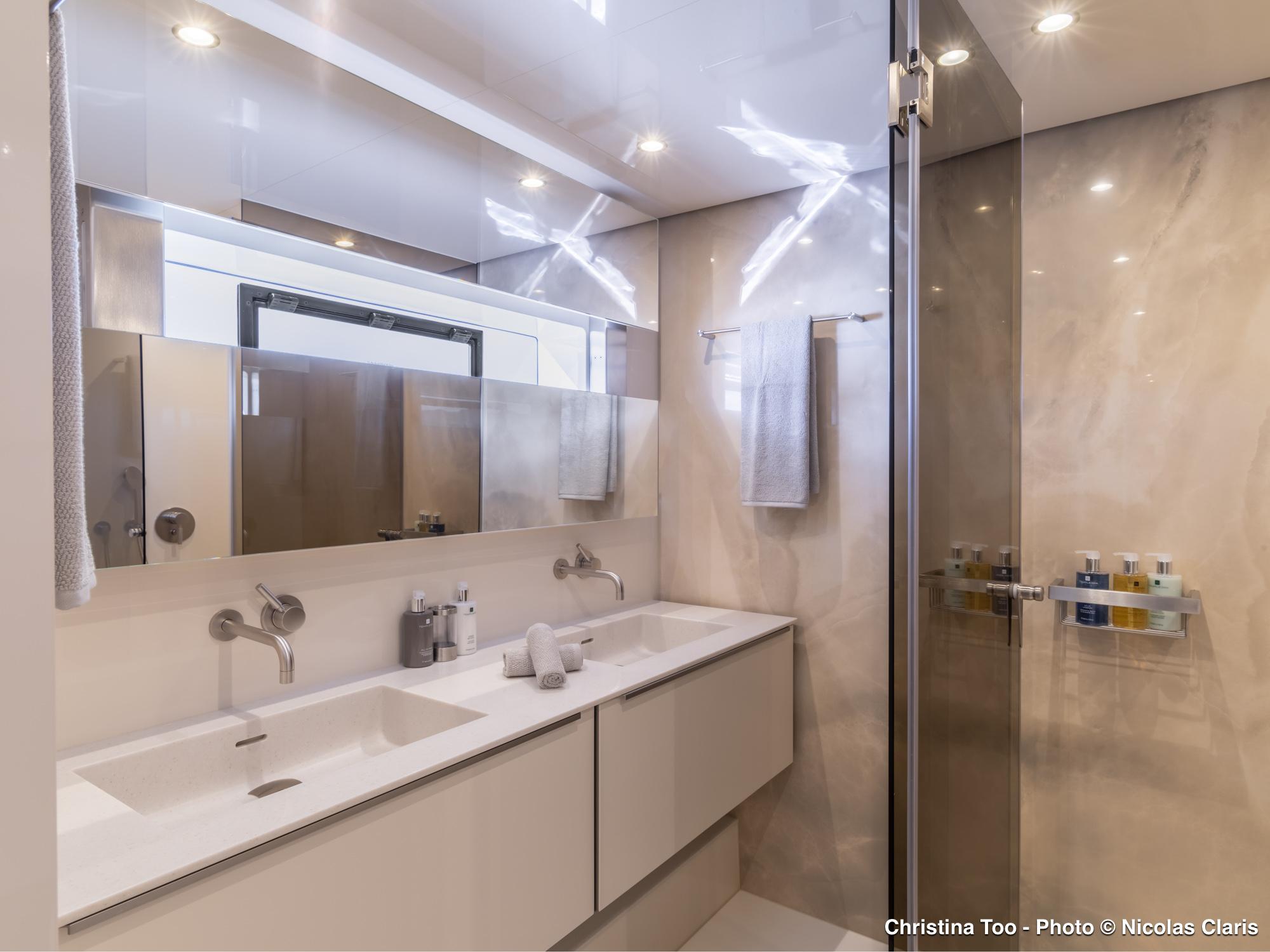 Cabin - Ensuite Bathroom