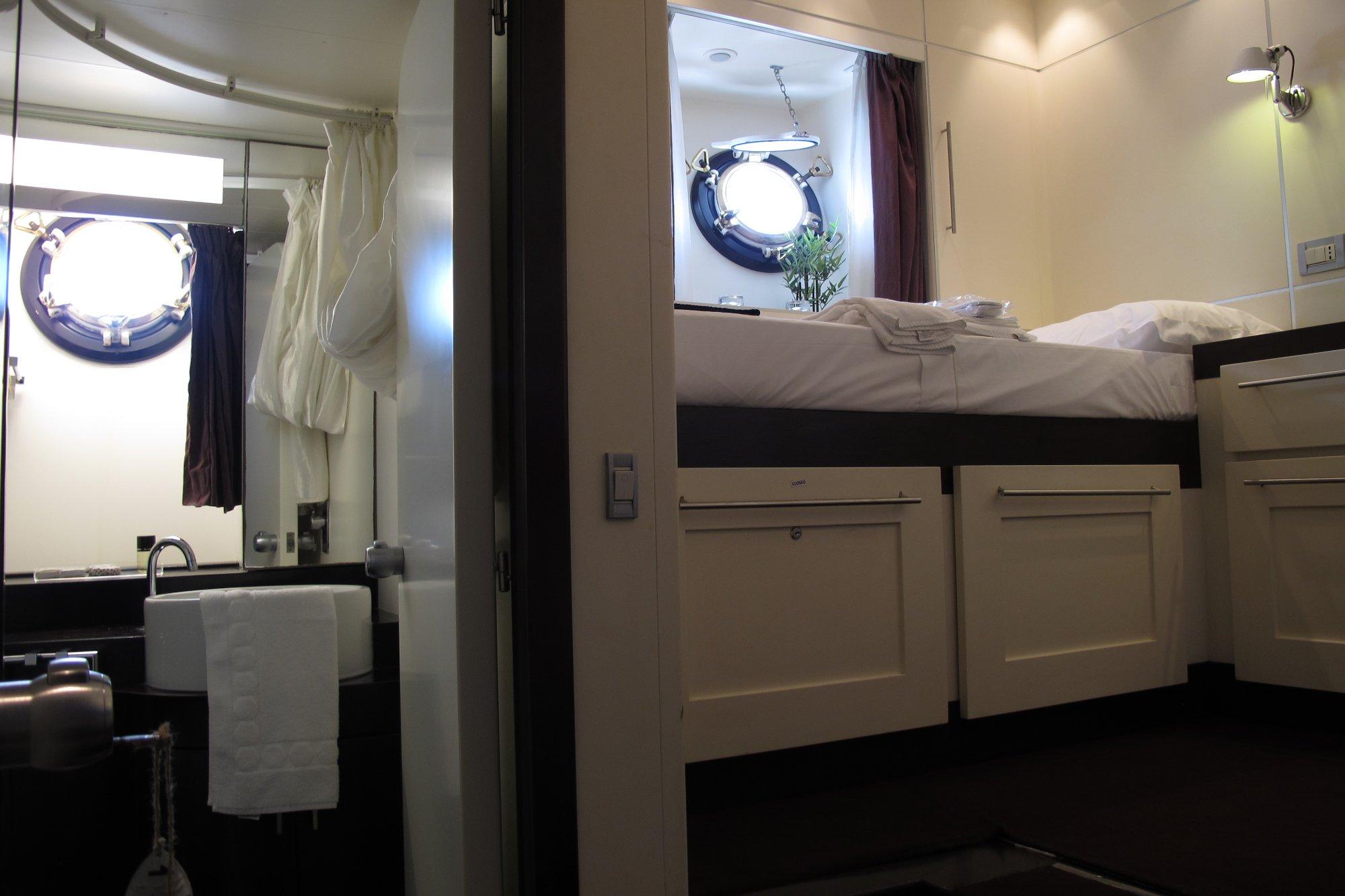 Cabin With Ensuite Bathroom