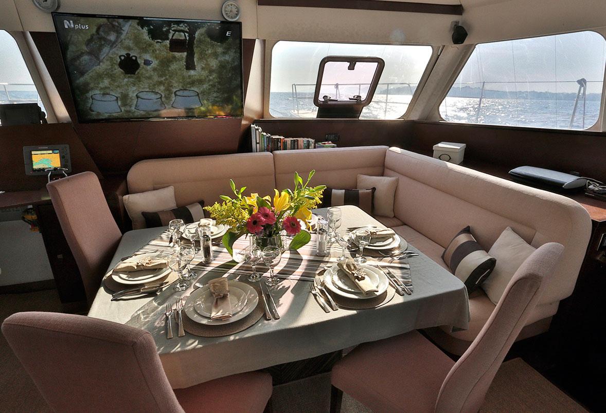 Charter Catamaran Anassa Interior Dining