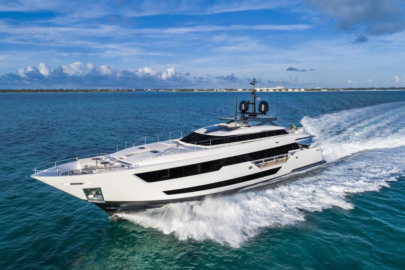 Custom Superyacht Running