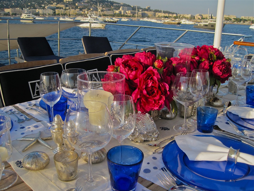Deck Table Setting
