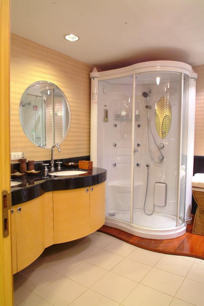 Master Cabin - Bathroom