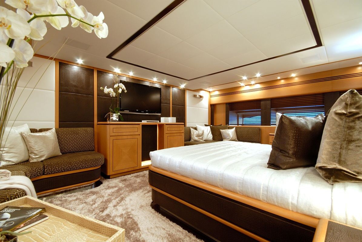 Elegant Double Cabin