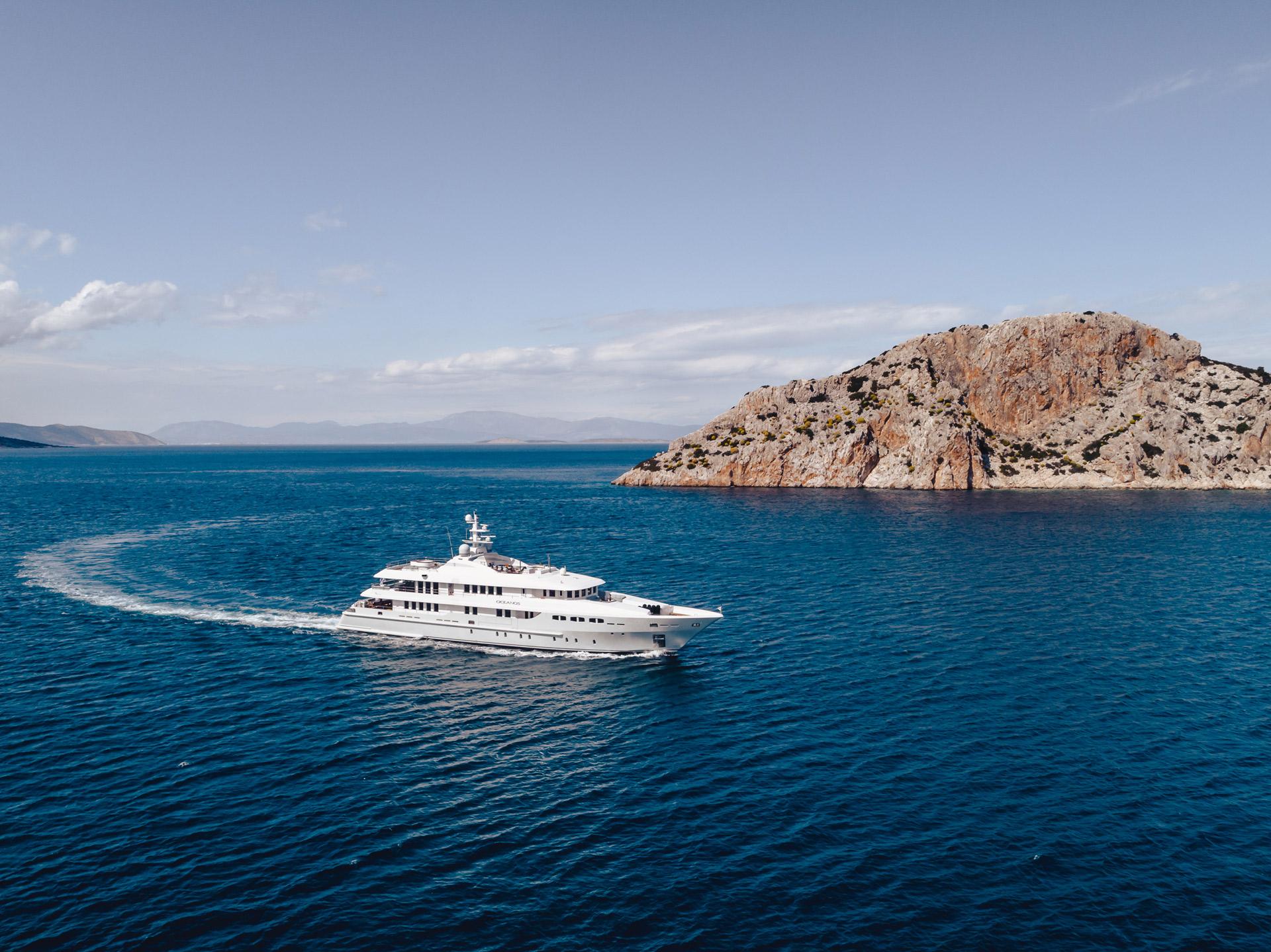 Luxury Charter Yacht O'CEANOS