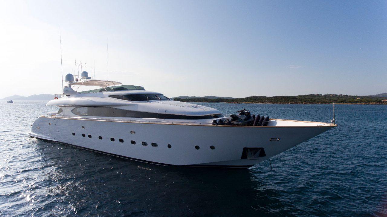 Luxury Yacht AMAYA