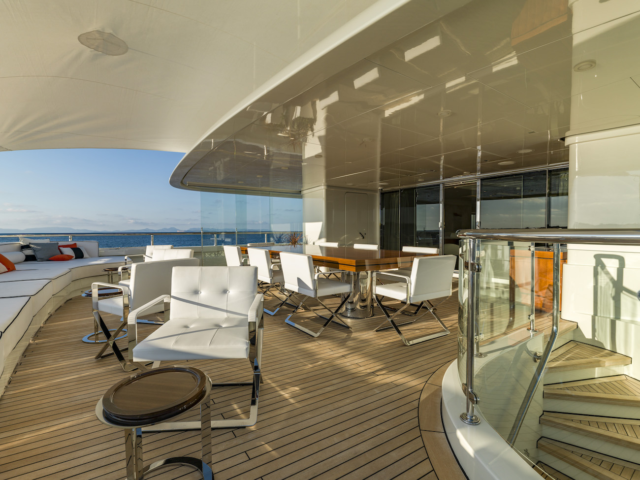 Main Aft Deck Dining Area