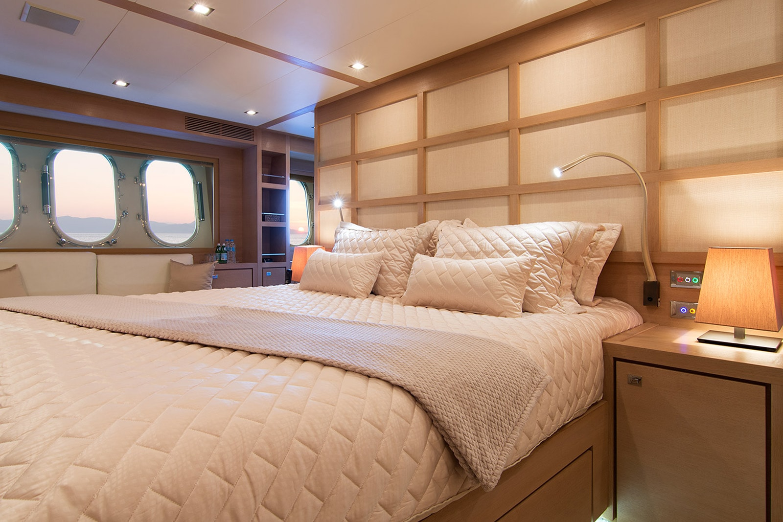 Master Double Cabin