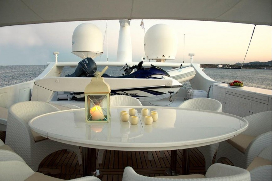 On Deck Seating And Dining
