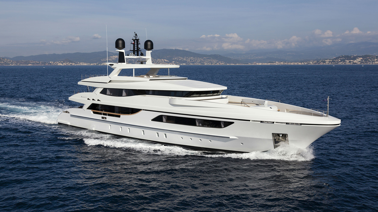 Running Profile Of The Superyacht