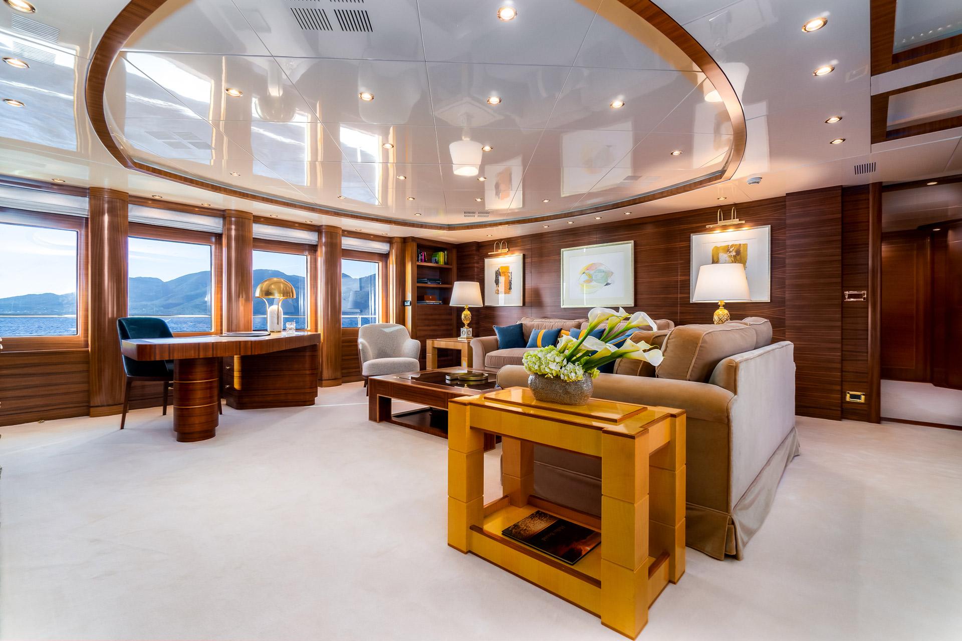 Sky Lounge - Upper Deck