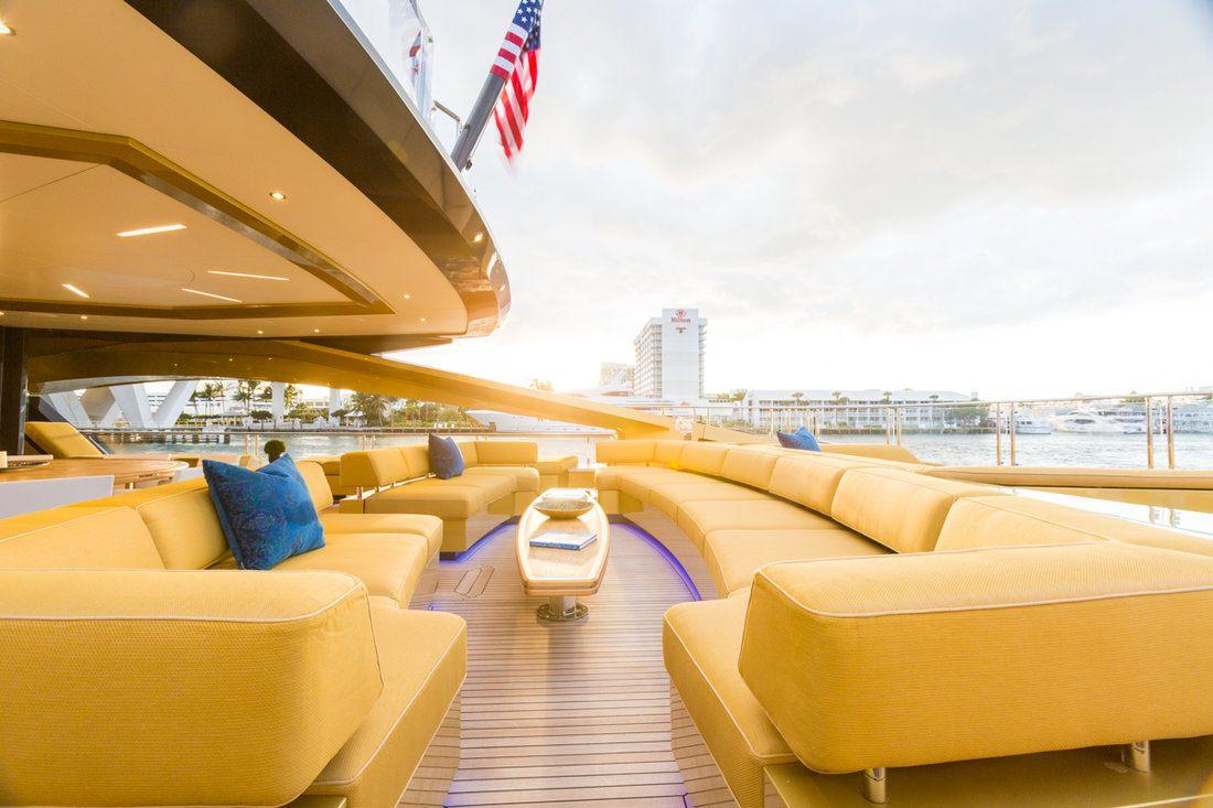 Spacious Aft Deck In Florida