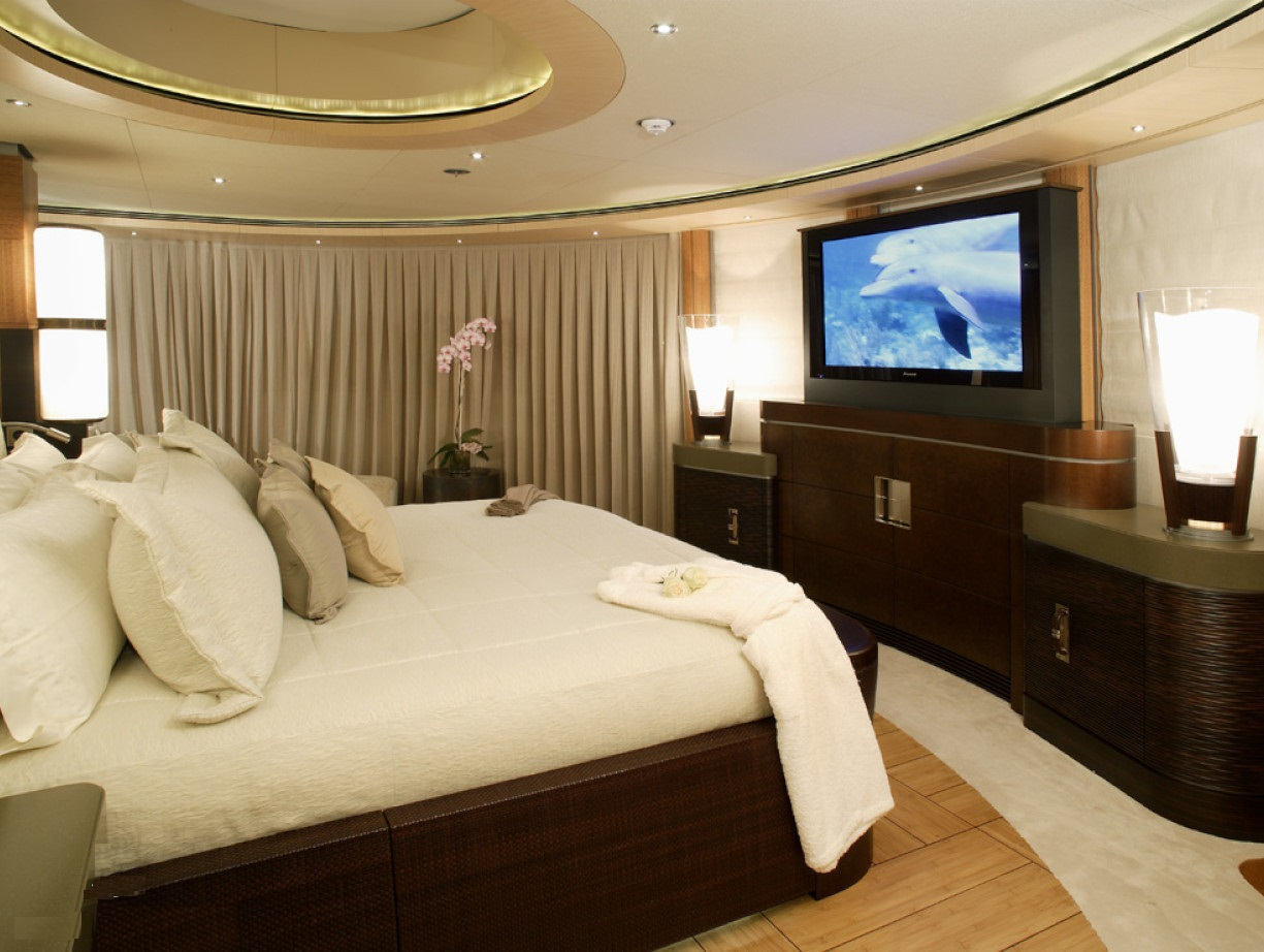 Spacious Double Cabin With TV Screen