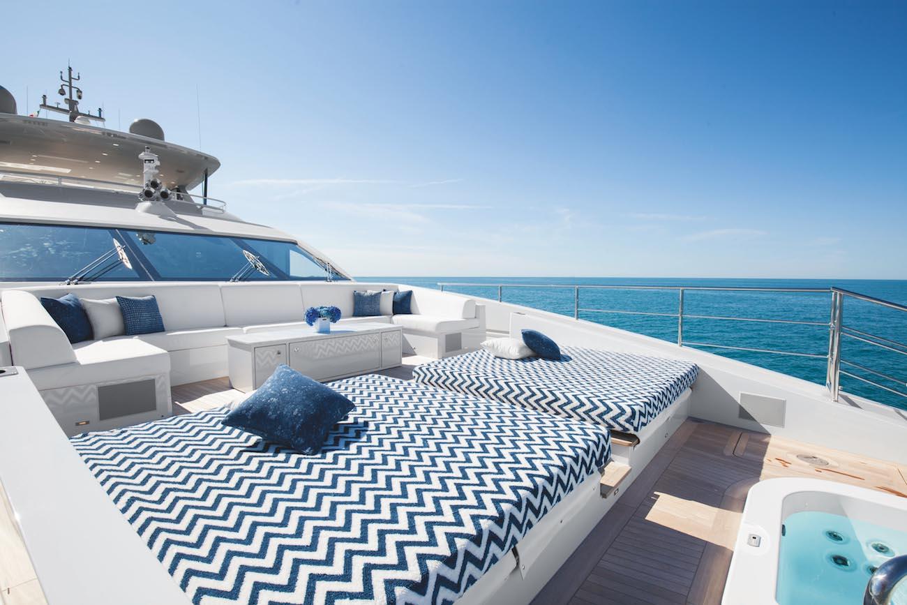 Sunpads Upper Deck Forward With Jacuzzi Spa Tub