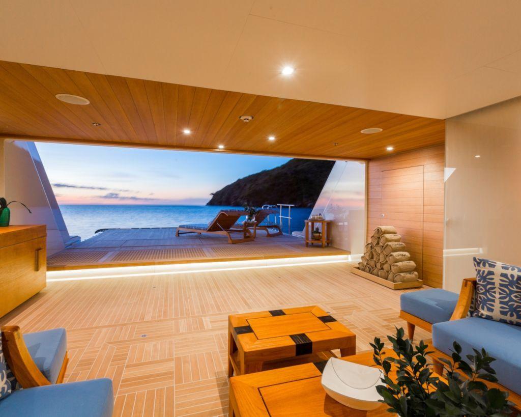 Swim Platform : Beach Club