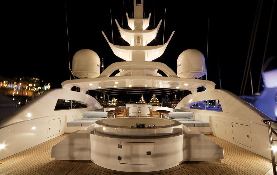 Upper Deck With Jacuzzi