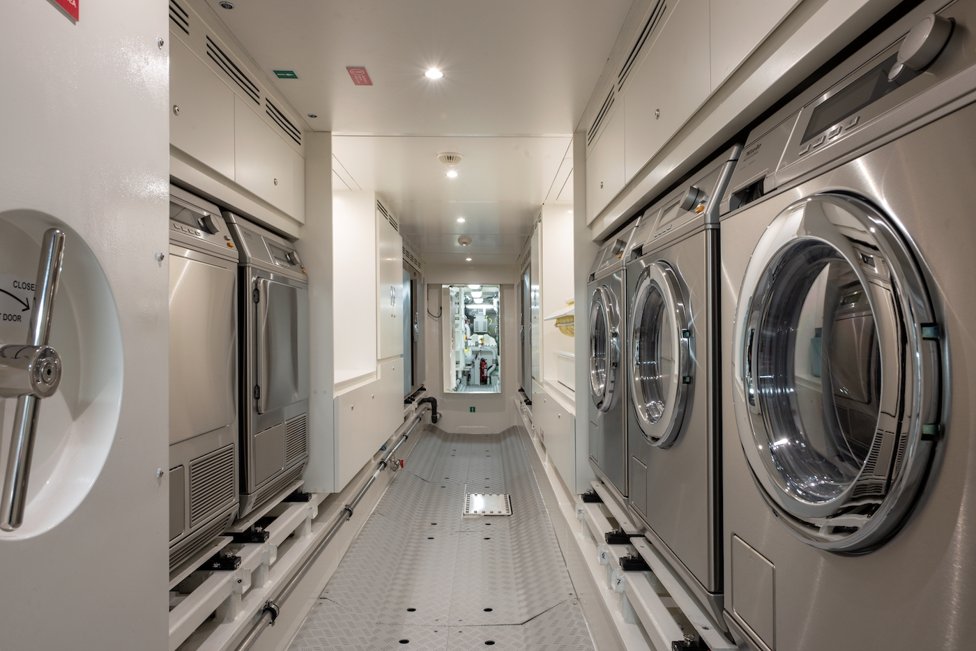Utility Lower Deck Tunner Laundry Forward Area