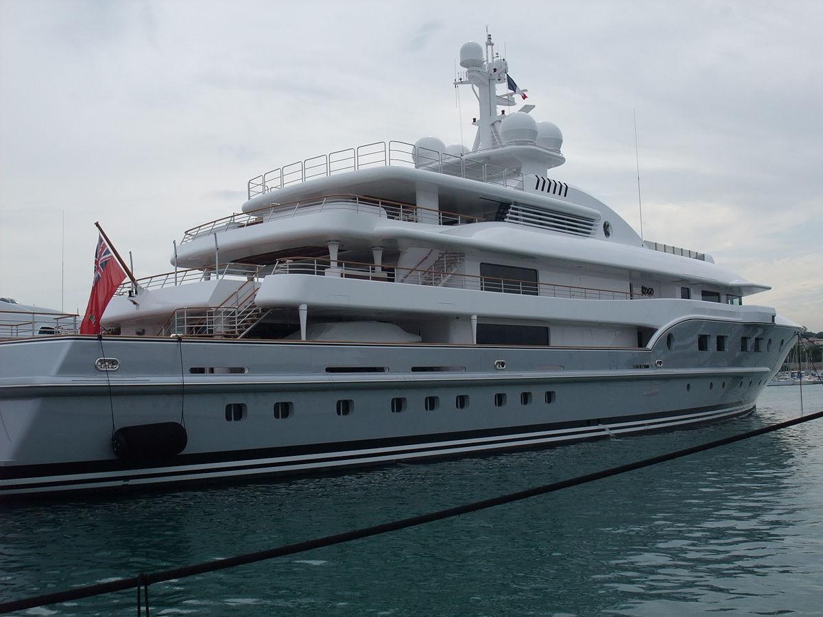 Yacht KOGO Exterior