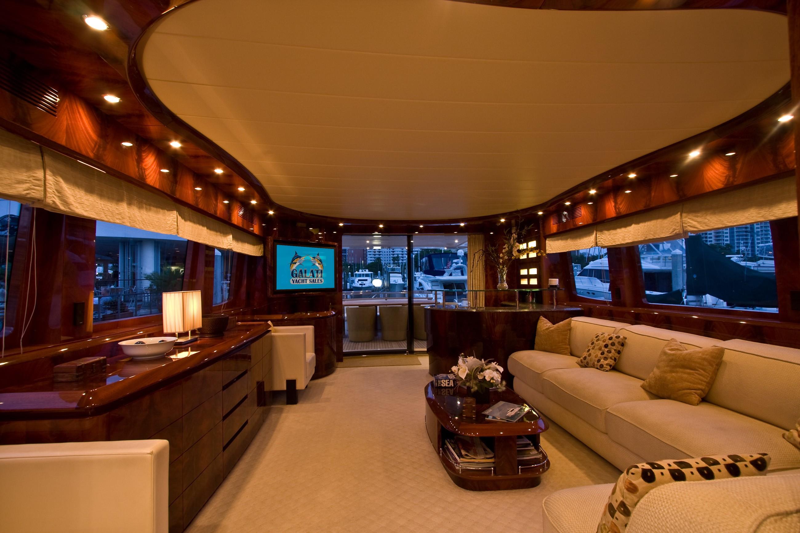 The 27m Yacht EN LESS