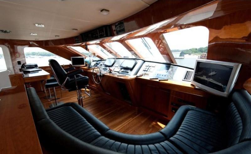 Sitting: Yacht ZENITH's Wheel House Captured