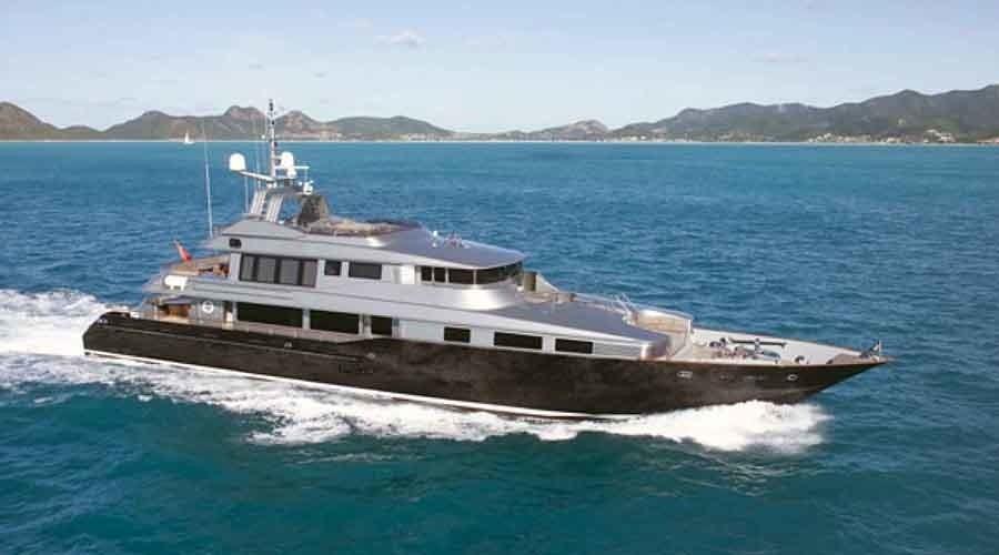 Cruising On Yacht SILVER DREAM