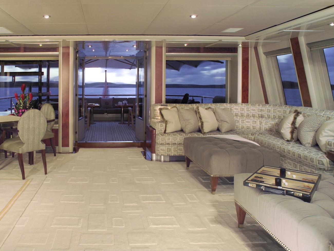Profile Aspect: Yacht SILVER DREAM's Sky-lounge Photograph