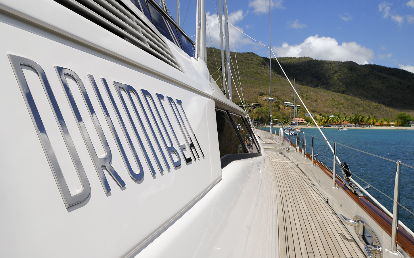 Yacht DRUMBEAT - Alloy Yachts - Scuppers, Caribbean