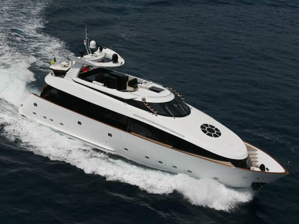 Yacht LOR
