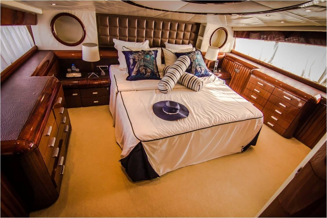 Yacht LOR - Master